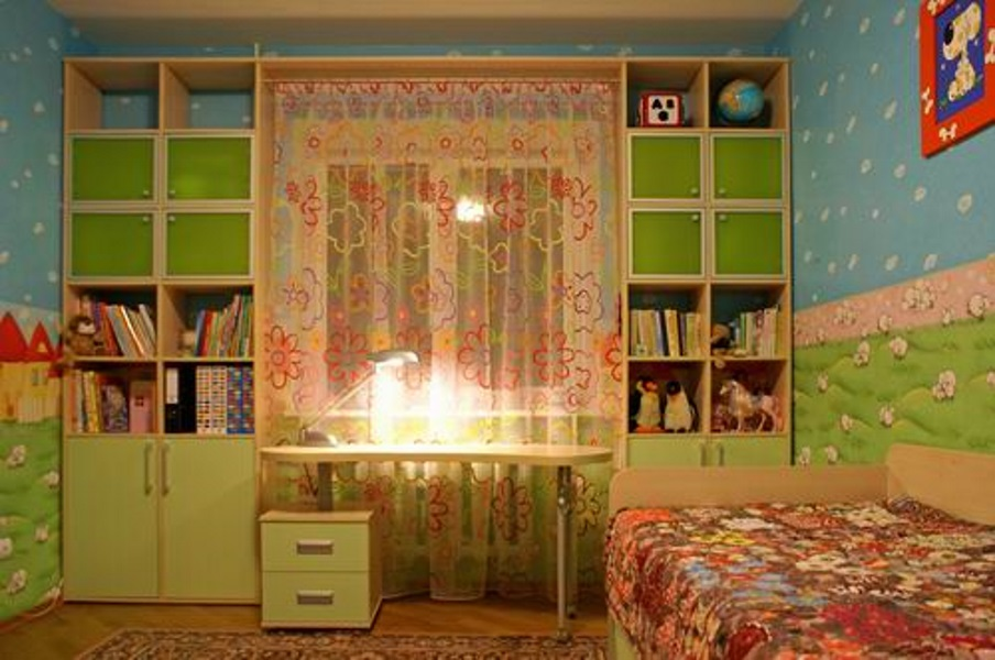 Мебель у окна фото