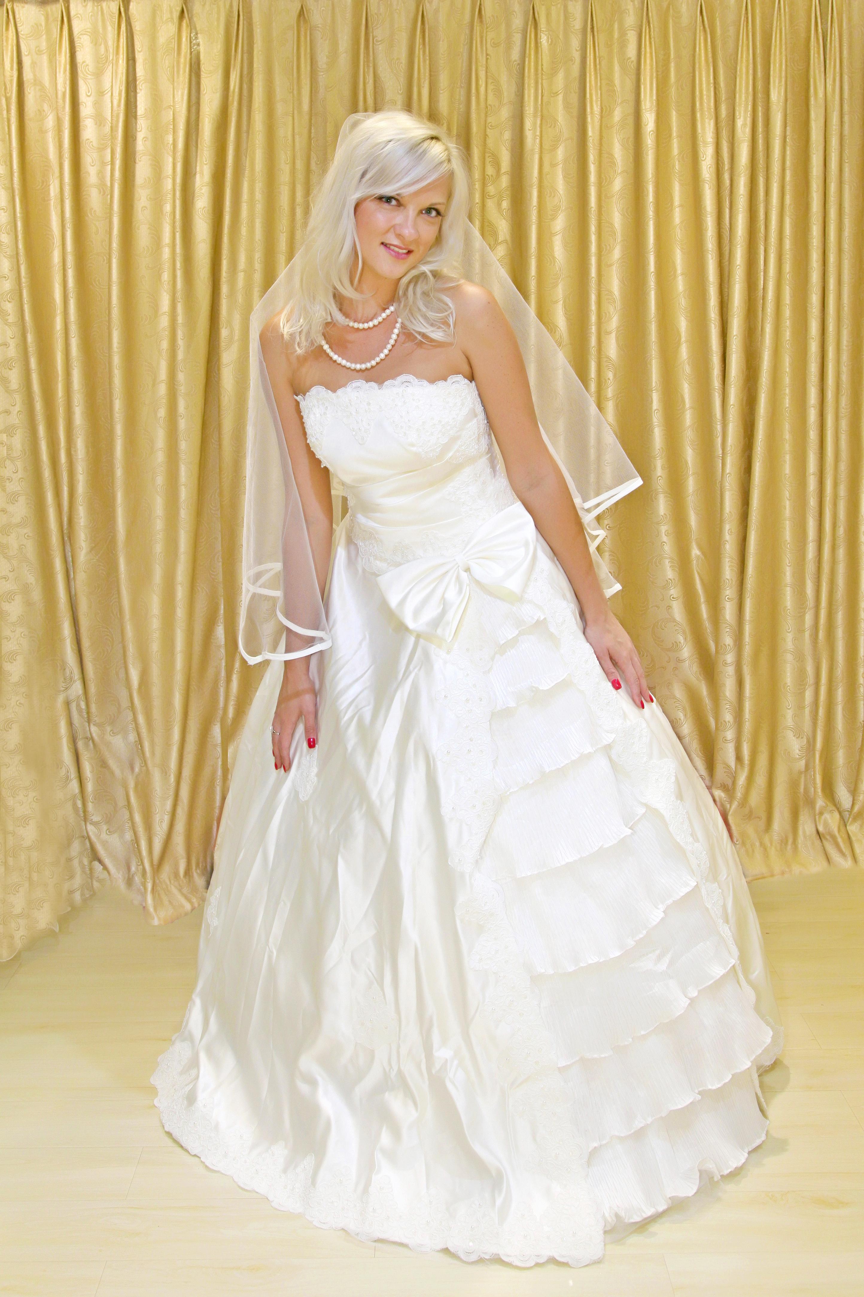 свадебных платьев в салоне «Elle Bride
